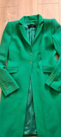 Przejściiwy płaszcz damski firmy Hera 40