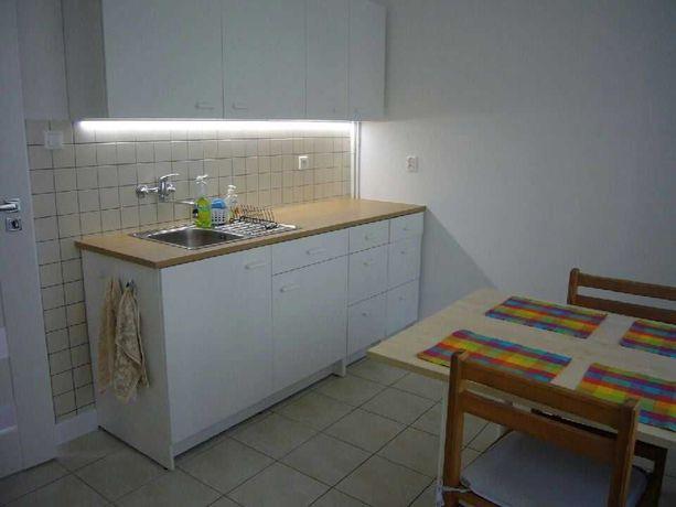 1 pokojowe  44 m2, 100 m od AGH, okolice Pl. Inwalidów od 1.10