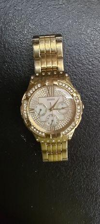 Zegarek Guess w kolorze złotym