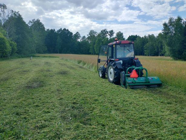 Koszenie trawy nieużytku poboczy łąk boisk kosiarka bijakowa mulczer