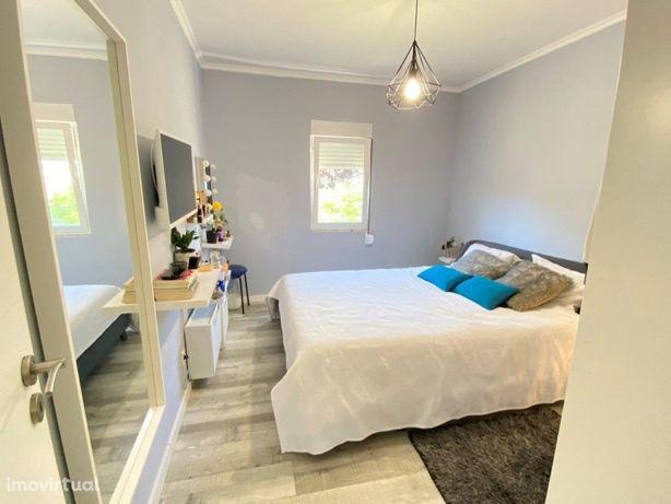 Apartamento T3 Remodelado em Vialonga com 73m2 de fácil e...