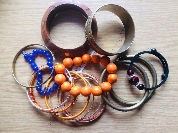 Biżuteria sztuczna bransoletki naszyjniki przywieszki kolorowe