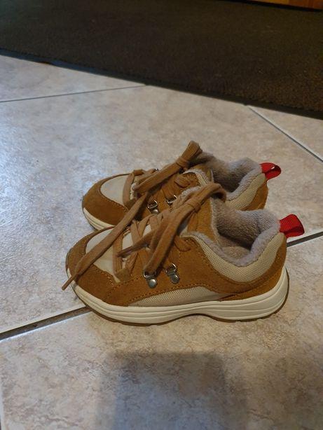 Buciki, buty ocieplane rozmiar 25 ZARA
