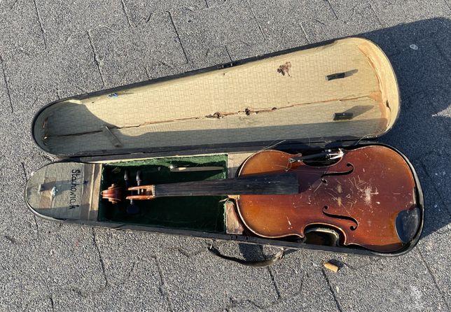 Stare, przedwojenne skrzypce z futerałem