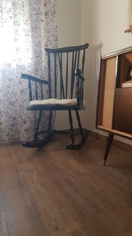 Cadeira de baloiço rabo de bacalhau antiga vintage