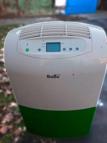 Стильный осушитель воздуха ballu BDH-25L почти НОВЫЙ