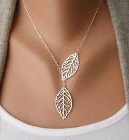 Łańcuszek liście w kolorze srebrnym