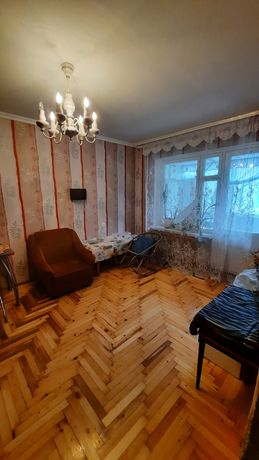 Продам 2-х комнатную квартиру на 15 микрорайоне Бабурка
