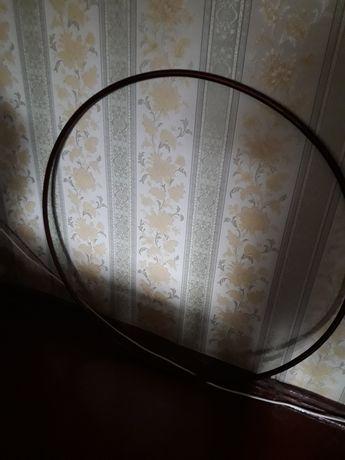 Продам обруч  металический.В диаметре 96 см.