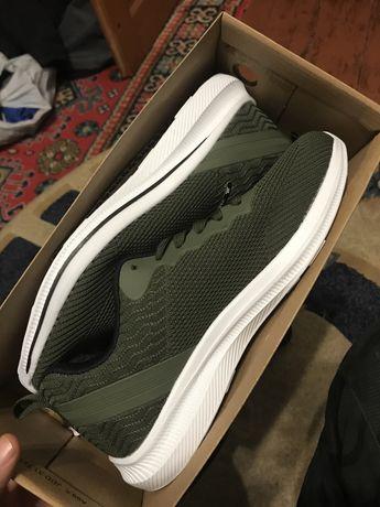 Новые эффектные мужские кроссовки BAYOTA, хаки кросівки, кроси 42