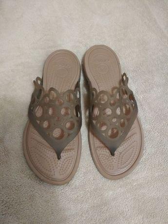 Шлепанцы кроксы Crocs