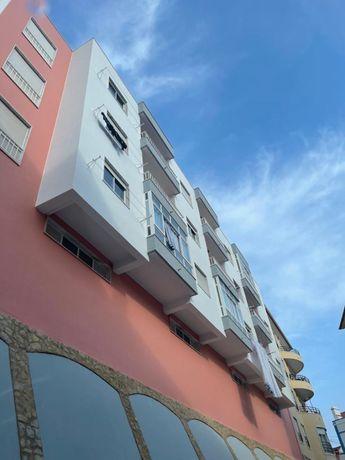 Apartamento T2 com Box ( Mafra centro)
