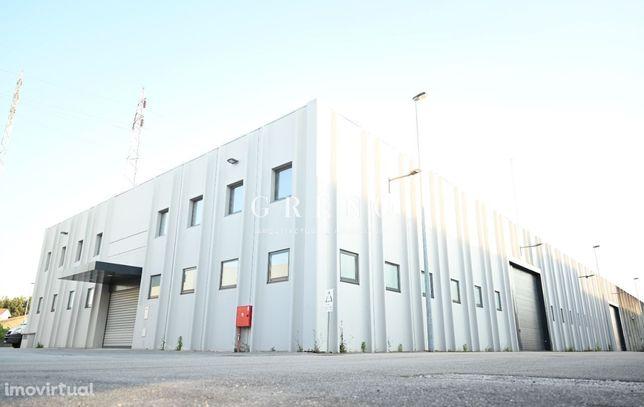 Armazém Industrial c/escritórios, Av. Europa, Esgueira, Aveiro - VENDA
