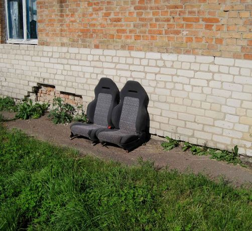 Продам откидные сидения маздадля автомобилей Ока,Ваз 11114, Таврия