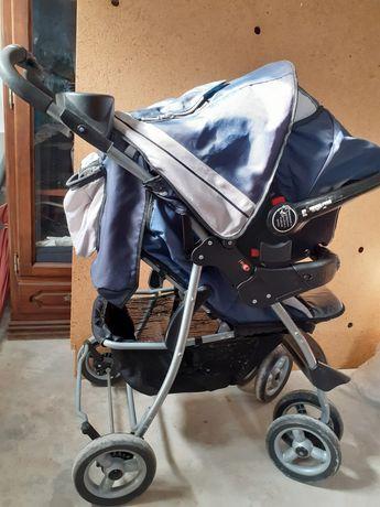 Carrinho de bebê com cadeira auto bom estado