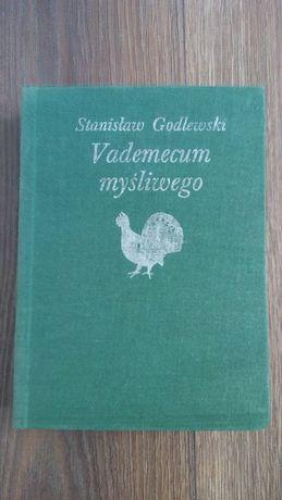Książka vademecum myśliwego.