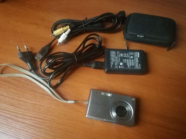 Aparat Nikon S700 w idealnym stanie
