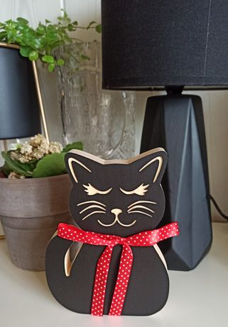 Kot drewniany 17 cm czarny