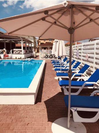 Продается отель в Затоке с бассейном. Первая линия моря!
