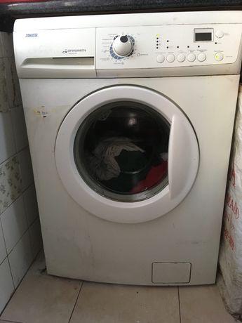 Maquina de roupa