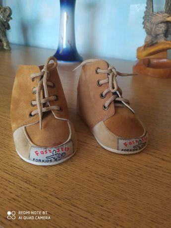 Продам детские ботиночки-пинетки для малышей
