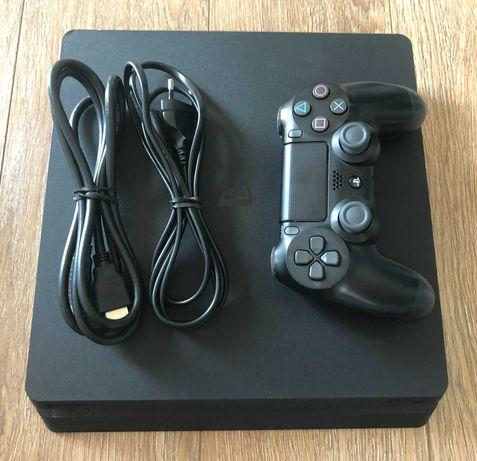 Konsola PS4 Slim 1TB, pad, okablowanie, stan bardzo dobry