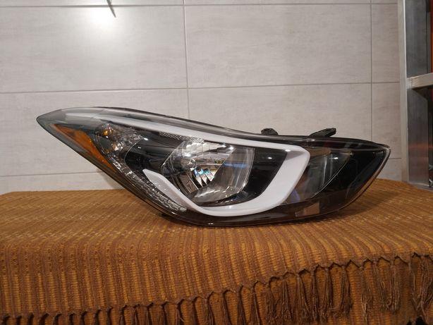 Hyundai Elantra lampa prawa USA