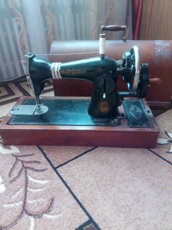 Машинка швейная Подольск. Б/у. Срочно!