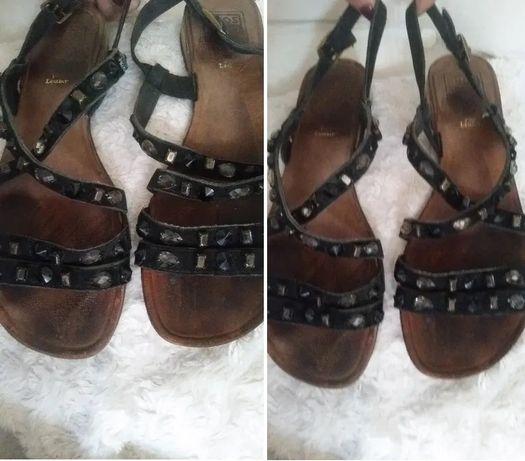 Sandały włoskie, skóra, kamienie, ozdoby