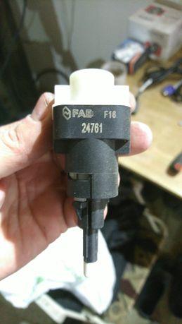Лягушка, датчик стоп сигналу Fae 24761 Audi A4, A6, Passat b5