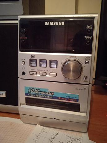 Wieża Samsung z 2 głośnikami