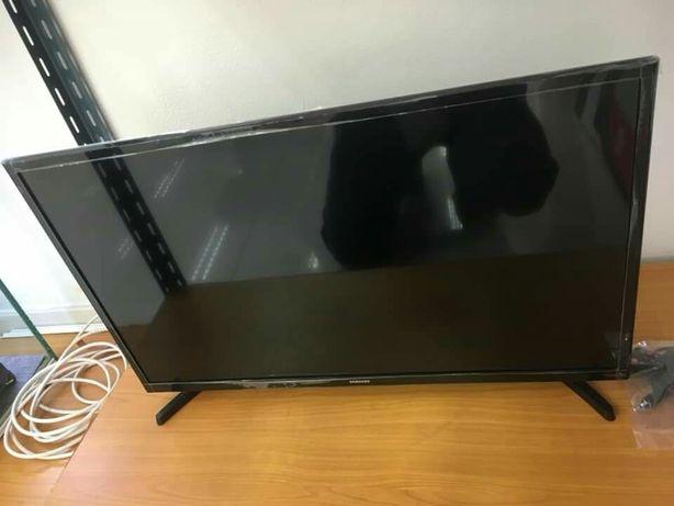 Samsung LED SMART Tv 32