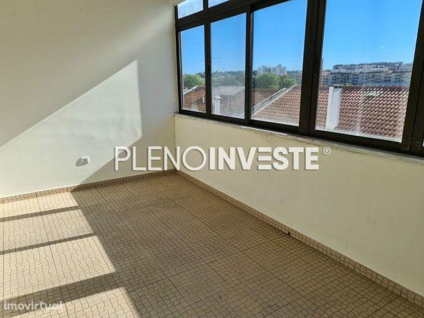 T2 para arrendamento na Torre da Marinha // T2 for rent i...