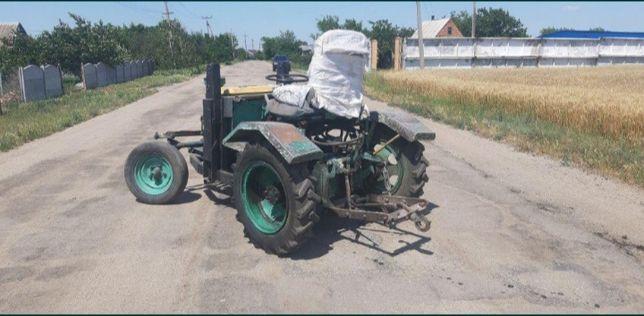 Трактор на базе т25