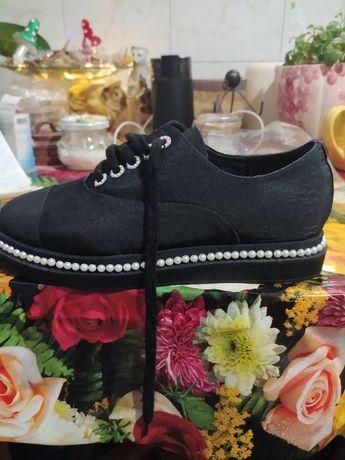 Продам женские туфли 39 размера, новые