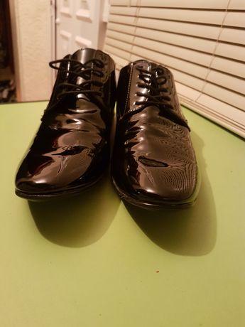 Sapatos de gala n° 45 semi-novos