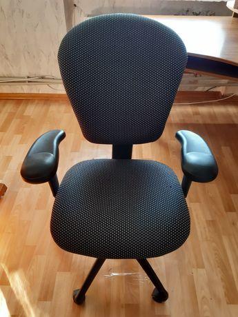 Кресло компьтерное-офисное.