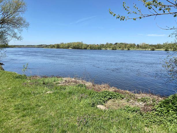 Działka z linią brzegową rzeki Narew