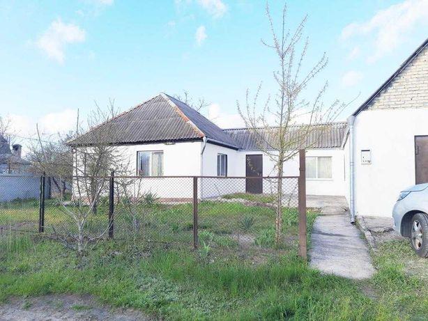 Продам житловий будинок  на  лівому березі Камянського