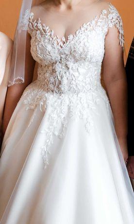 Весільна сукня+кольцо під плаття