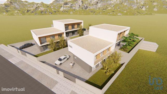 Moradia - 2987500 m² - T0