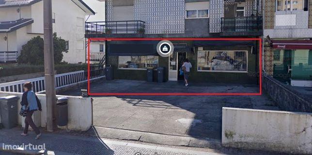 Loja à face da Rua Dom Afonso Henriques, Águas Santas Ref. 21.9/127