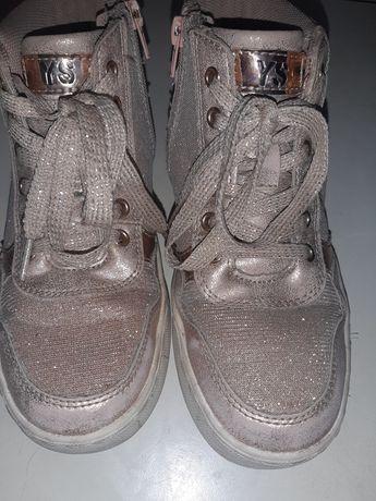 Осіннє взуття для дівчинки 33р
