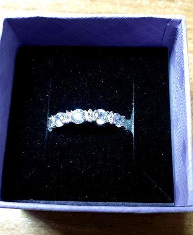 Срочно кольцо серебро 925 новое