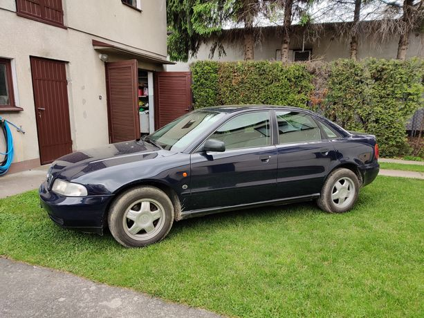 Audi A4 B5 sedan 1.6 benzyna