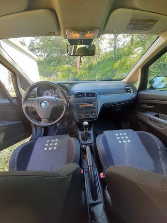 Fiat Grande Punto Versão Sport