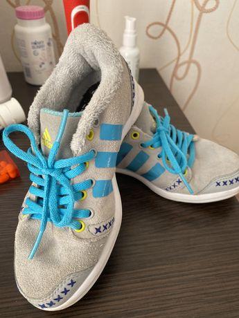 Продам  детские кроссовки adidas оригинал