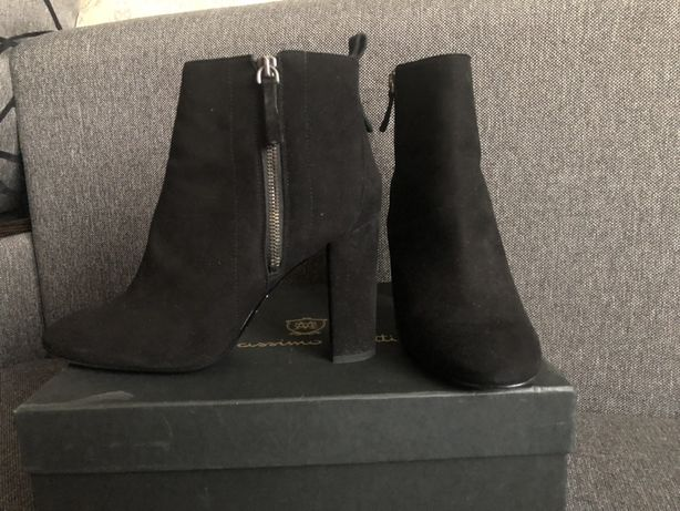 Замшевые ботинки на каблуке Massimo Dutti 41 размер