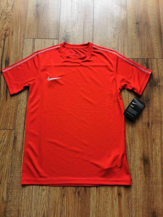 Koszulka sportowa Nike Dri-Fit rozm. 147-158 (Unisex) NOWA Skarżysko-Kamienna - image 1