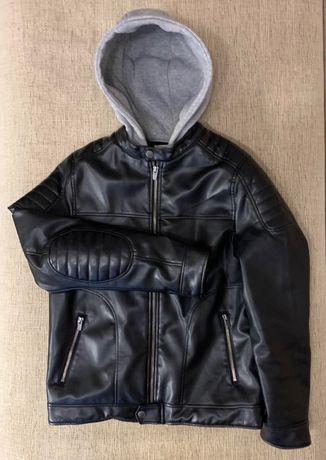 Стильная куртка ZARA на подростка с эко-кожи